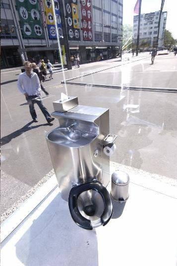 toilette trasparente